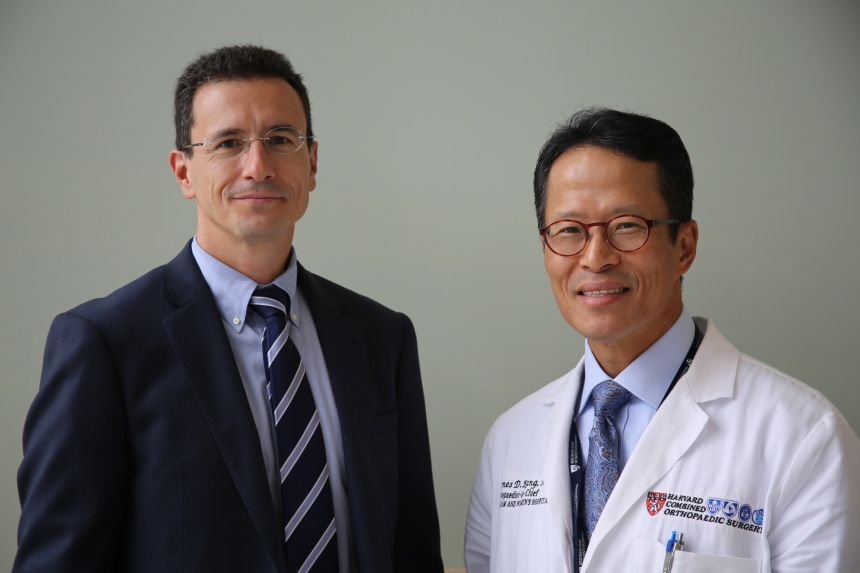 From left: Andreas Gomoll and James Kang are among the first wave of physicians whose patient ratings are now available online.